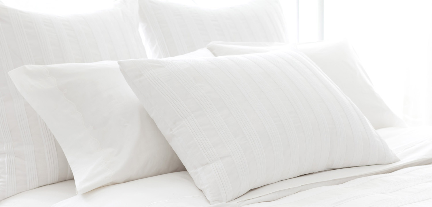 Bed Amp Hotel Pillows Pillow Deluxe
